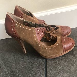 Closed-toe high heels
